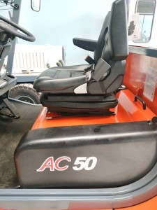 ghế ngồi xe nâng điện 5 tấn(1)