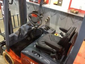 xe nâng điện 1500kg