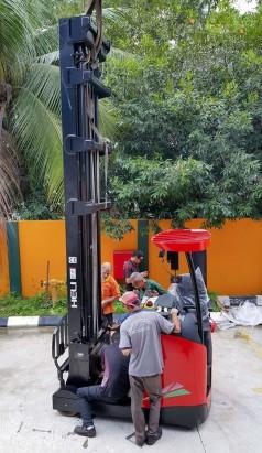 xe nâng điện reach truck 2 tấn heli