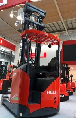 xe nâng điện reach truck 2 tấn ngồi lái